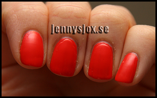 2013-04-02-OPI-My-Paprika-is-hotter-than-yours-005