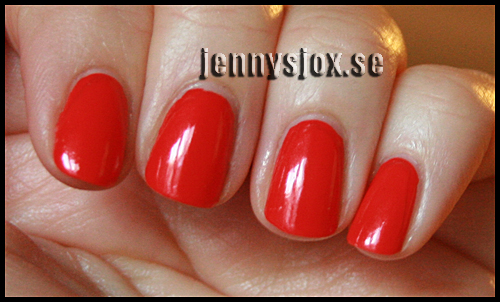 2013-04-03-OPI-My-paprika-is-hotter-than-yours-005